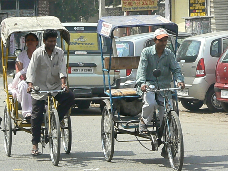 2 cycle-rickshaws