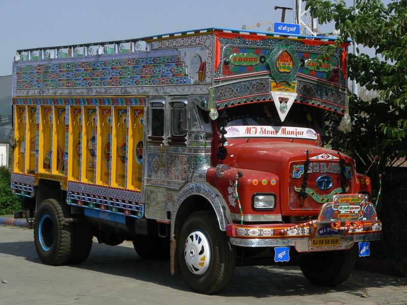 La route: camion décoré