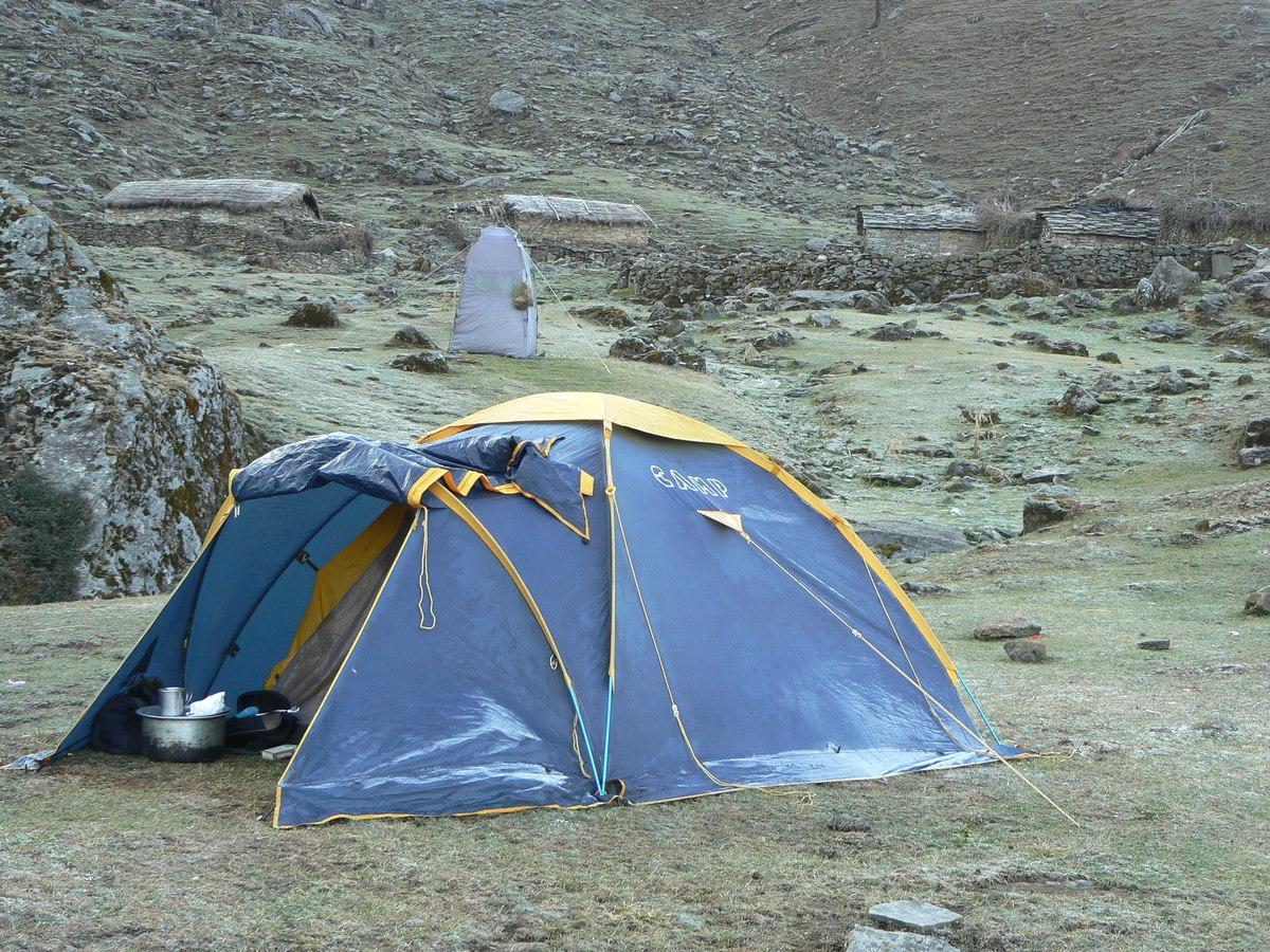 La tente est gelée