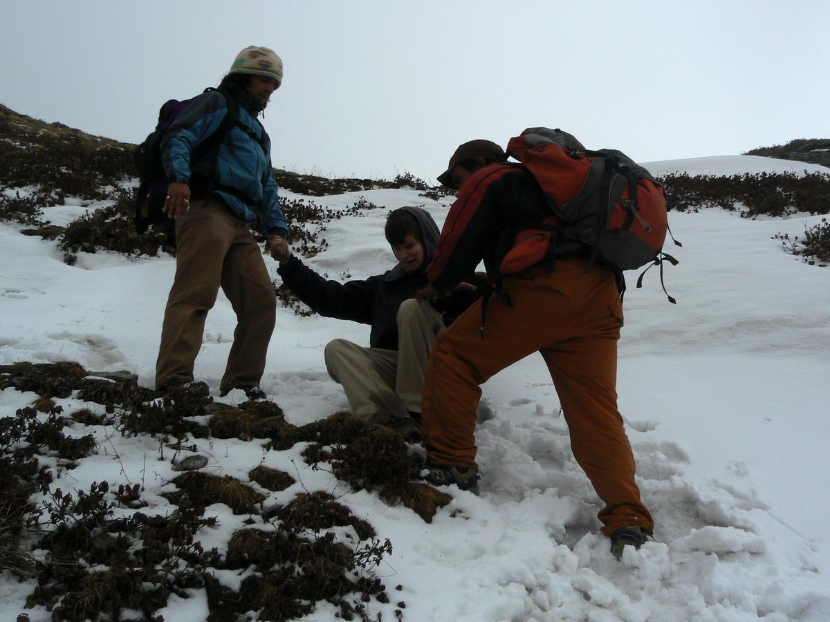 Gab tombe dans la neige