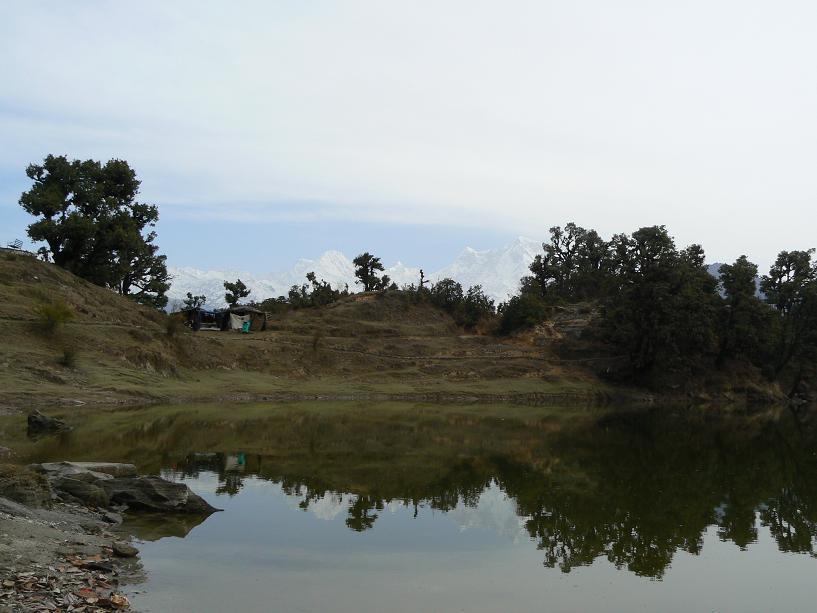 Le lac à côté du camp
