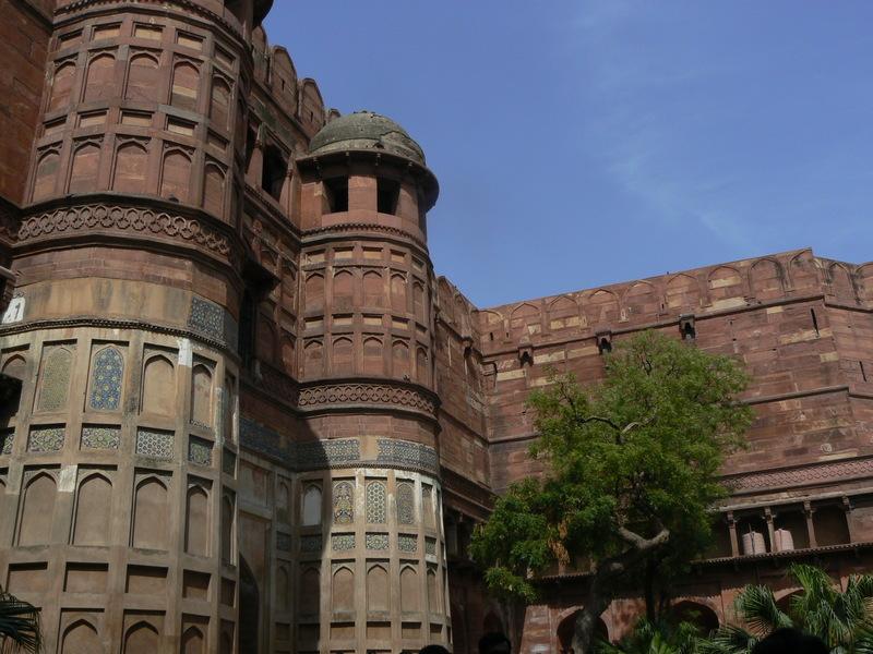 La première porte intéreure du Fort Rouge